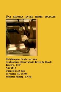 Small uma escola entre redes sociais cartaz espanhol